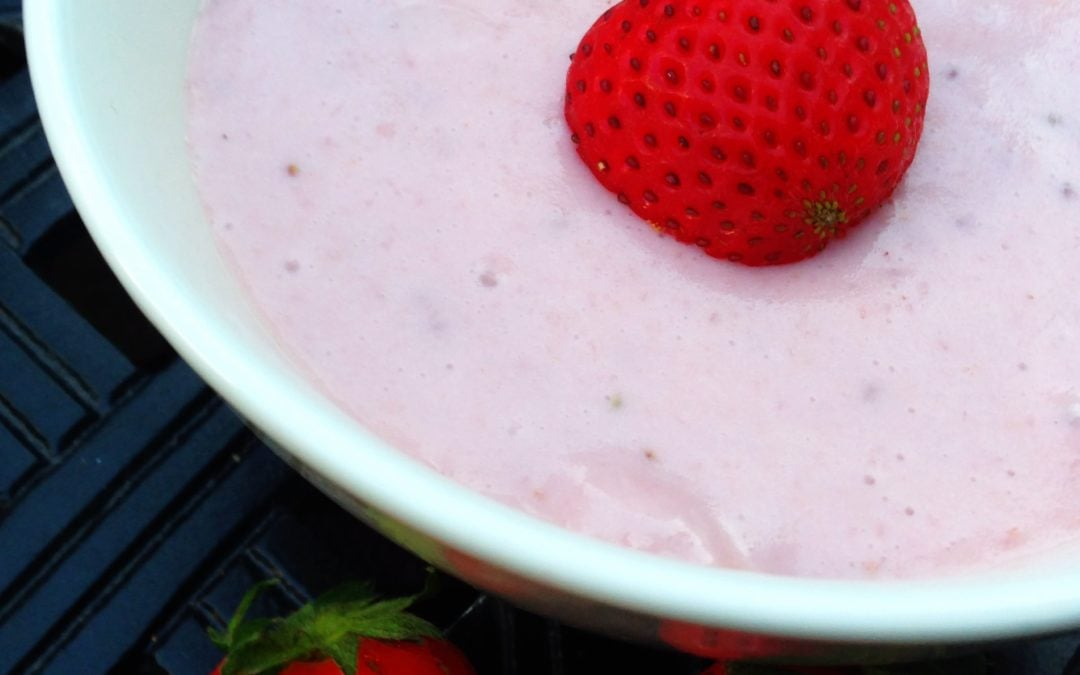 Vegan Fluffy Strawberry Pudding